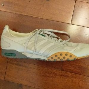 White Adistar 80 Vintage running shoes / sneakers